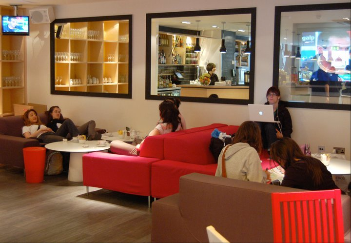 London-Central-England-guests-lounge