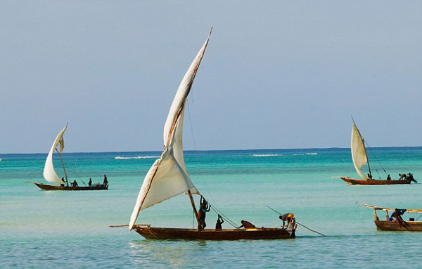 Sail-Dhow-Boat-in-Stone-Town
