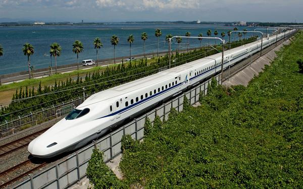 Tokaido-Shinkansen-Bullet-Train