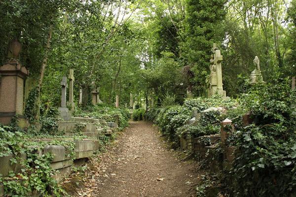 Highgate_Cemetery_East